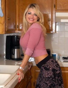 Vicky Vette & Scott Nails in My Friend's Hot Mom